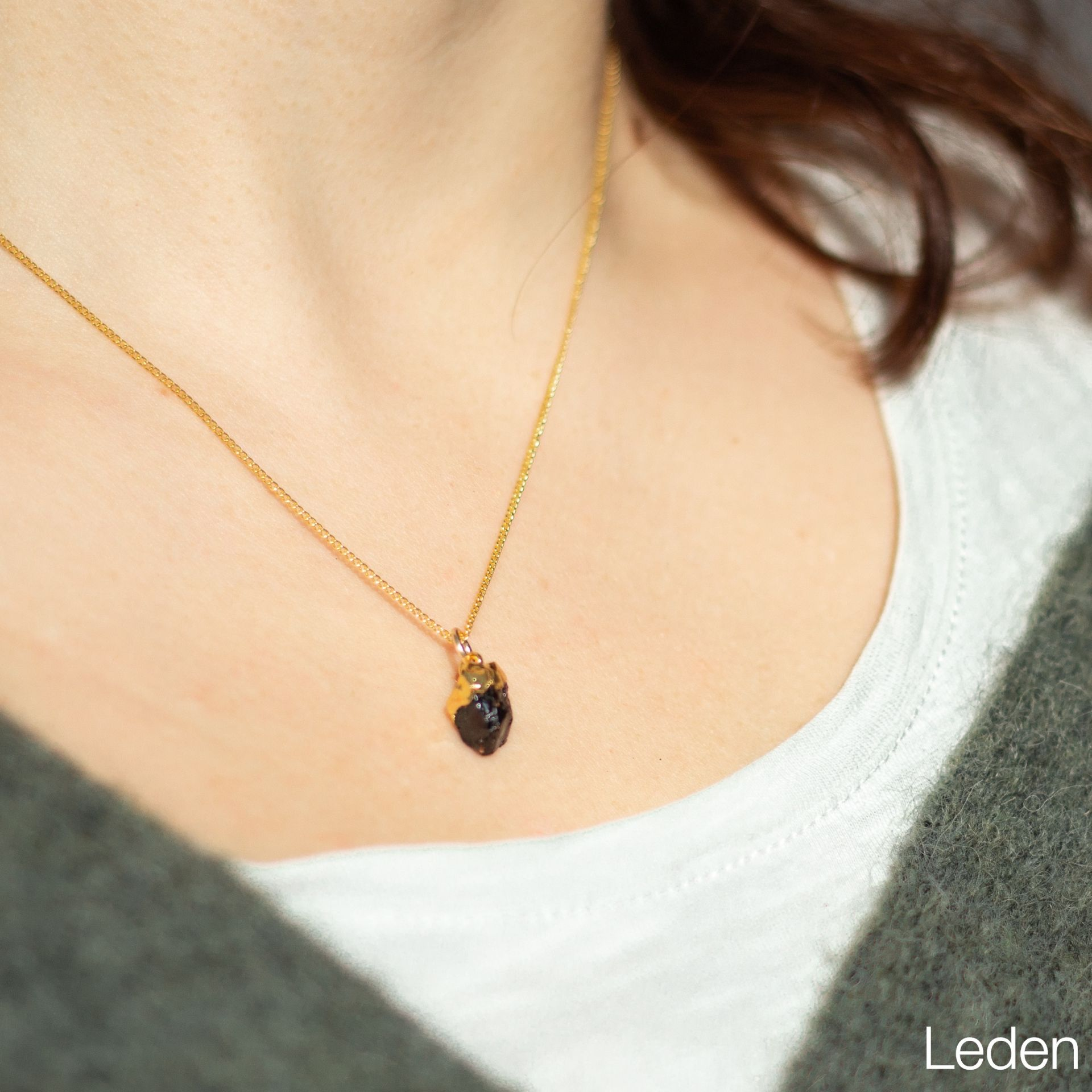 DECADORN Pozlacený řetízek s narozeninovým kamenem Birthstone Leden - granát, multi barva, zlatá barva, kov, kámen