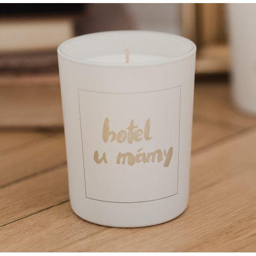 Love Inc. / Biela sviečka Hotel u mámy - figy a ruže