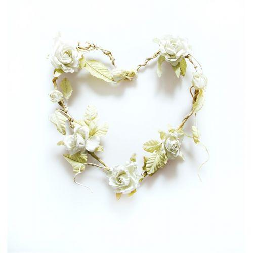 sass & belle / Kvetinový veniec v tvare srdca Cream