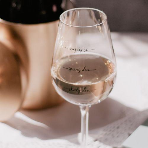 Bella Rose / Pohár na víno Neptej se!