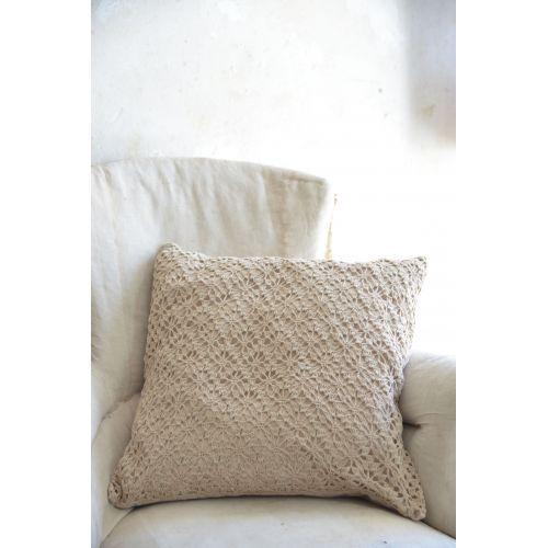 Jeanne d'Arc Living / Háčkovaná obliečka na vankúš Chrocheted Pillow