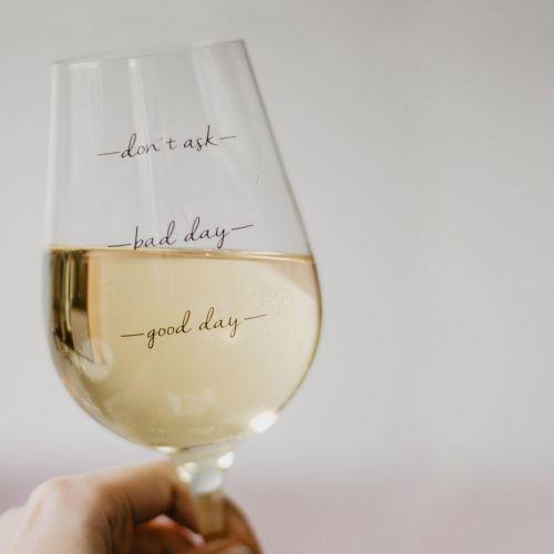 / Pohárik na víno Bad Day