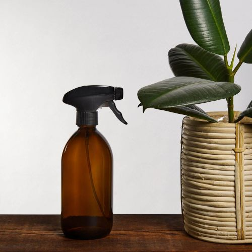 KUISHI / Sklenený rozprašovač s pumpičkou Amber 500 ml