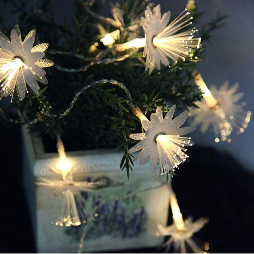 STAR TRADING / Svetelná LED reťaz s kvetinkami Fibry