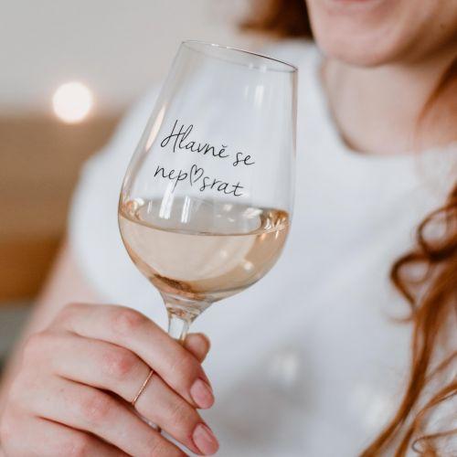 Bella Rose / Pohár na víno Hlavně se nep♥srat CZ