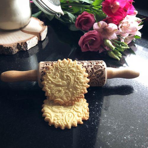 Goody Woody / Embosovaný valček na cesto Mini Floral Paisley