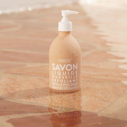 COMPAGNIE DE PROVENCE / Tekuté mydlo s peelingom Agrumes 495 ml