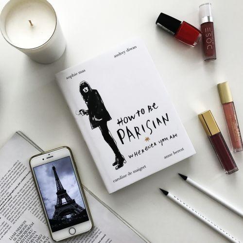 / Kniha How To Be Parisian (anglicky)
