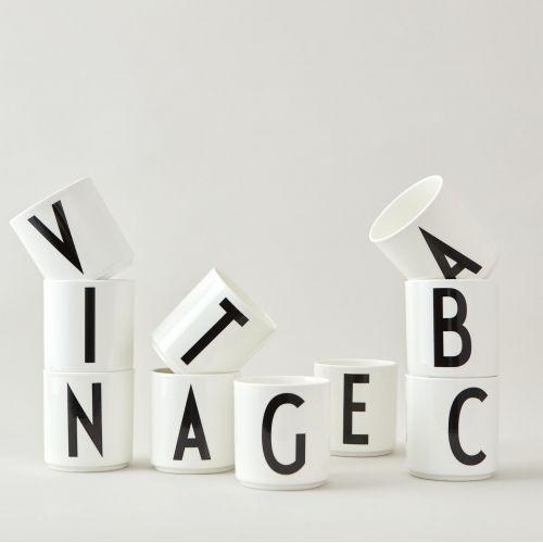DESIGN LETTERS / Porcelánový hrnček/dózička Letters