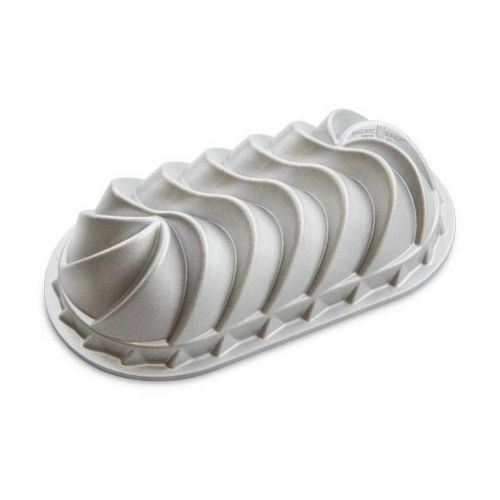 Nordic Ware / Hliníková forma na chlebíček Heritage Silver