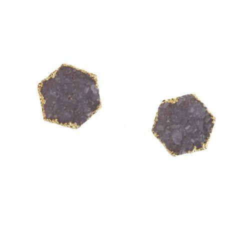 Náušnice so zapínaním na puzety pozlátené 18 karátovým zlatom tvorí fialový kryštál Ametyst v tvare šesťuholníka.