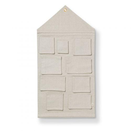 ferm LIVING / Nástěnný kapsář ve tvaru domečku Sand House