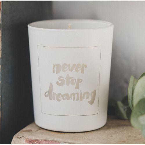 Love Inc. / Biela sviečka Never stop dreaming - figy a biele pižmo