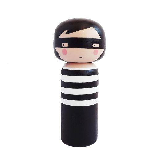 Lucie Kaas / Drevená kokeshi bábika THIEF 14,5 cm