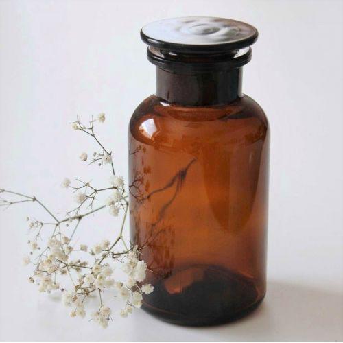 Skleněná dóza s víčkem Amber Apothecary 500 ml