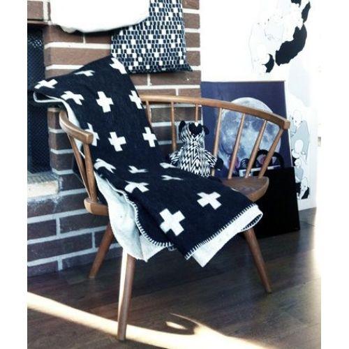 Deka Cross Blanket Black