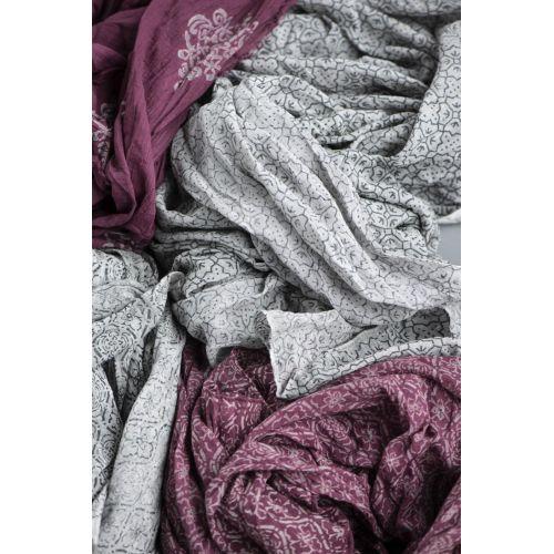 Bavlněný šátek Grey/Bordeaux Combinations