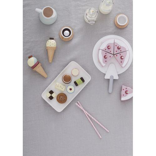 Dřevěný dort na hraní Pink