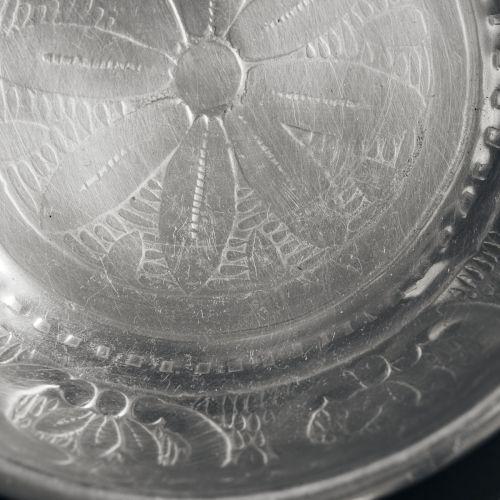 Kovový tácek Tura Antique Silver