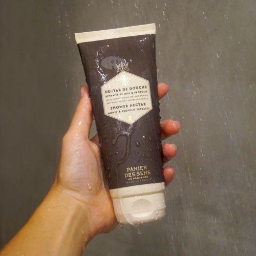 Sprchový gel s mateří kašičkou - med