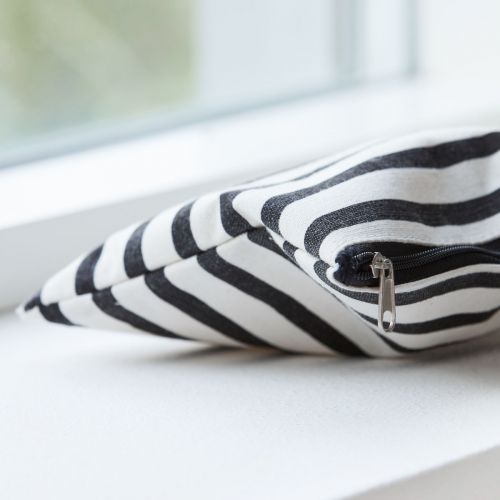 Kosmetická taštička Stripes