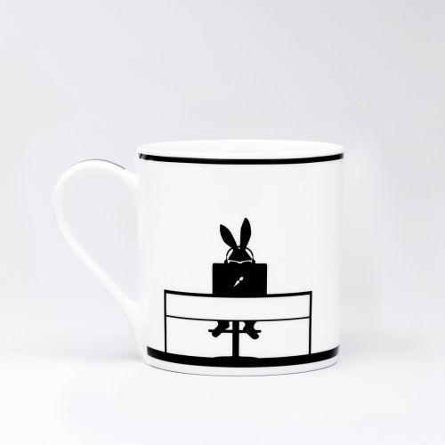 Porcelánový hrnek s králíkem Working Rabbit