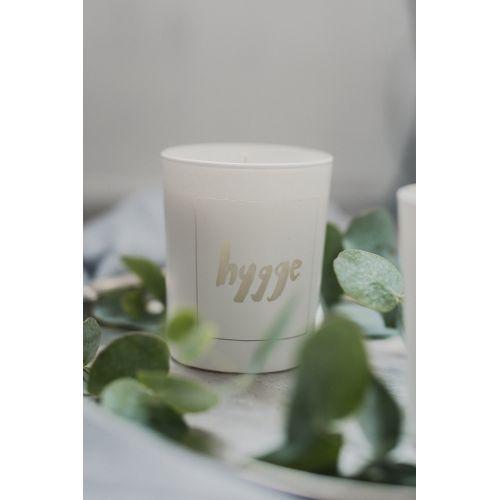 Bílá svíčka Hygge - fíky a bílé pižmo