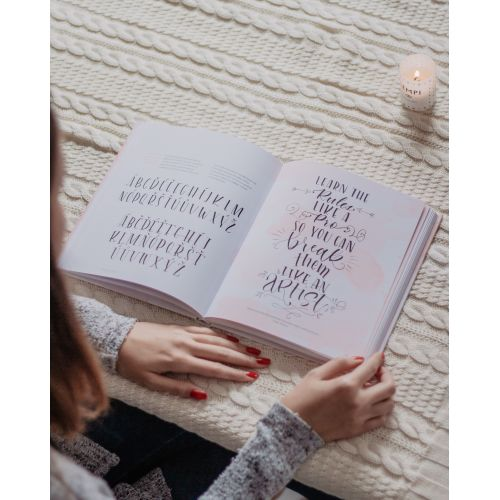 Abeceda krasopsaní - základy letteringu krok za krokem