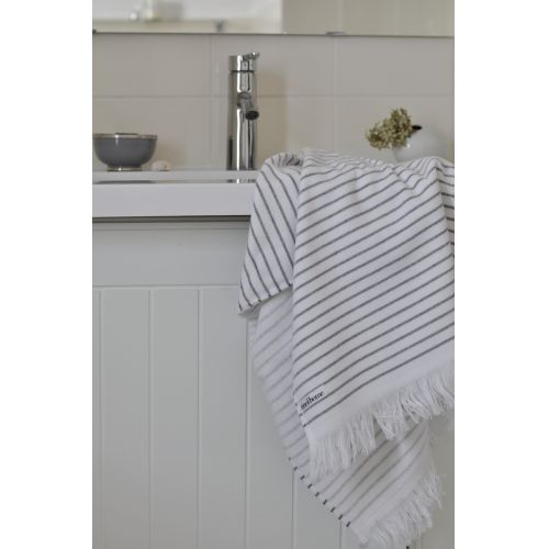 Pruhovaný ručník Pinstripe 50 x 100 cm