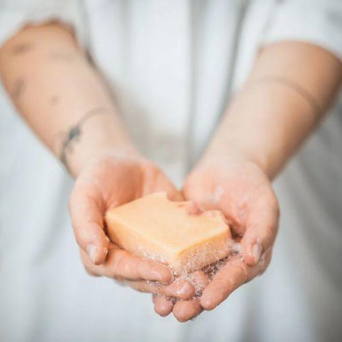 Přírodní mýdlo Opojný Zimolez