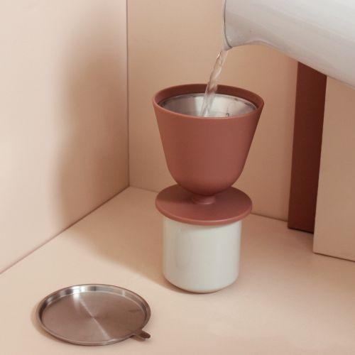 Ruční překapávač kávy s kovovým filtrem Slow