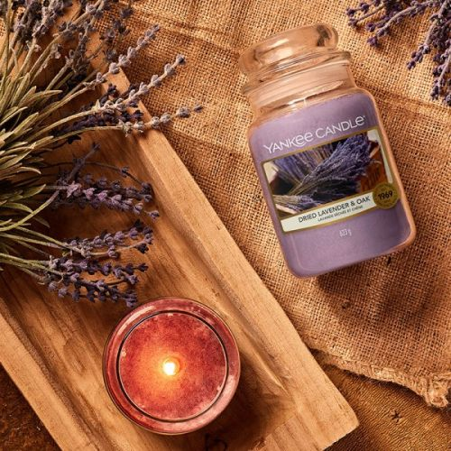 Svíčka Yankee Candle 623g - Dried Lavender & Oak