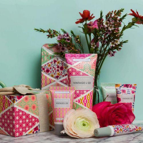 Dárková sada mini krémů na ruce Fabrics & Flowers
