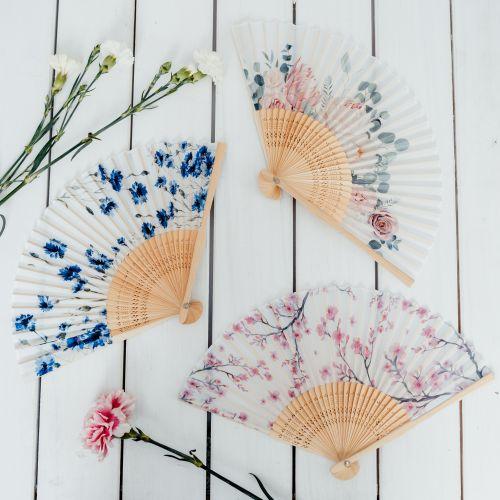 Trendy látkový vějíř Cream flowers