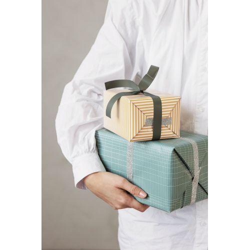 Oboustranný balicí papír Stripes - 5 m