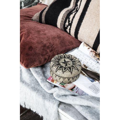 Ručně pletený ratanový košíček s víkem Boylo Light