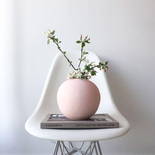 Kulatá váza Ball Dusty Pink 20cm