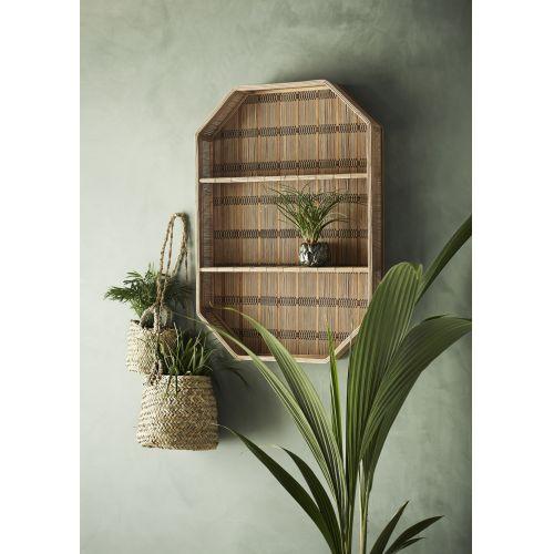 Závěsný košík z palmových listů
