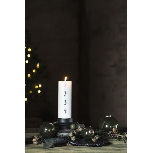 Kovový svícen na vysokou svíčku 5 cm