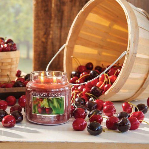 Svíčka Village Candle - Black Cherry 389g