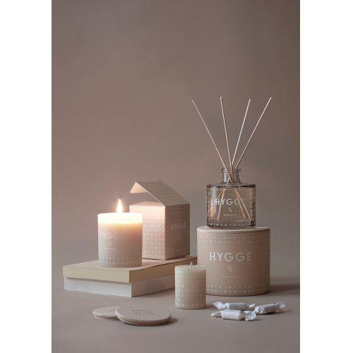 Vonná svíčka HYGGE (útulný domov) 190 gr - s dřevěným víčkem