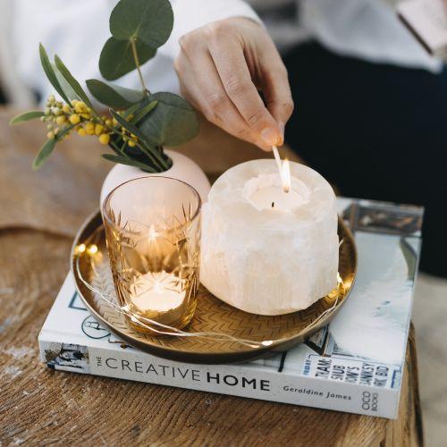 Svícen na čajovou svíčku Selenite White