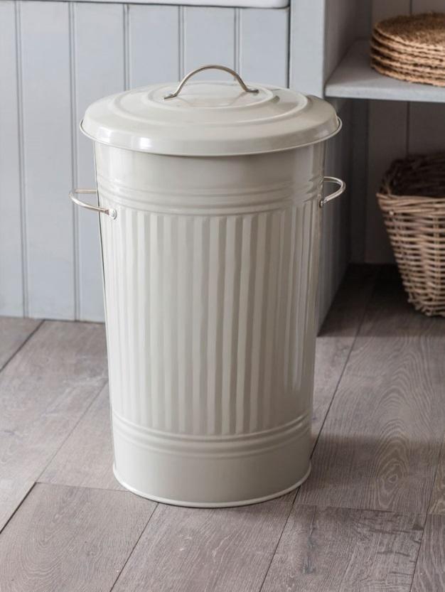Garden Trading Odpadkový koš 46 L Clay, zelená barva, kov