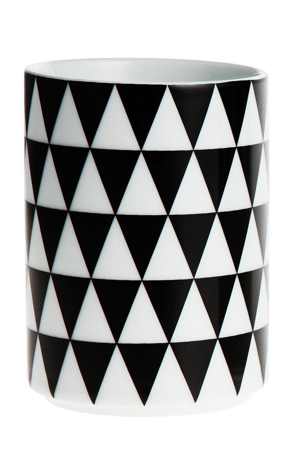 ferm LIVING Porcelánový hrneček Geometry 3, černá barva, porcelán 300 ml