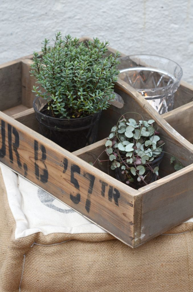 IB LAURSEN Dřevěný zahradní box Fleur, hnědá barva, dřevo