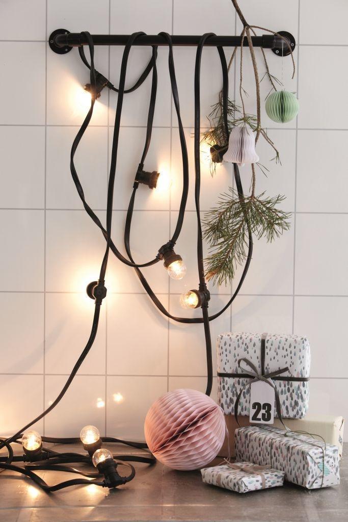 House Doctor Svítící řetěz s 10ti žárovkami, černá barva, plast