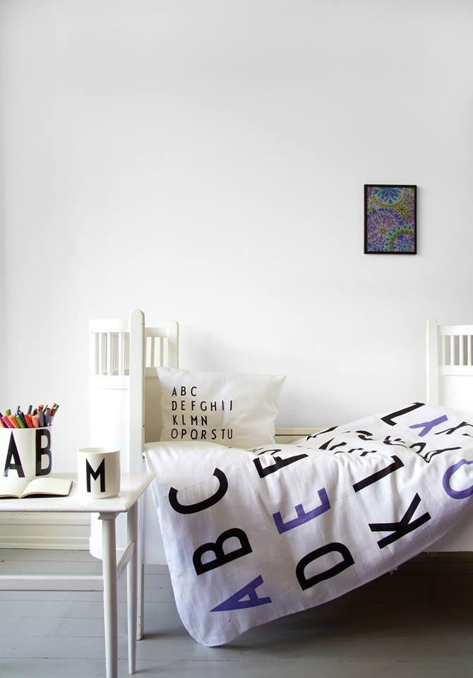 DESIGN LETTERS Dětské povlečení Letters Purple 100x140, fialová barva, bílá barva, textil