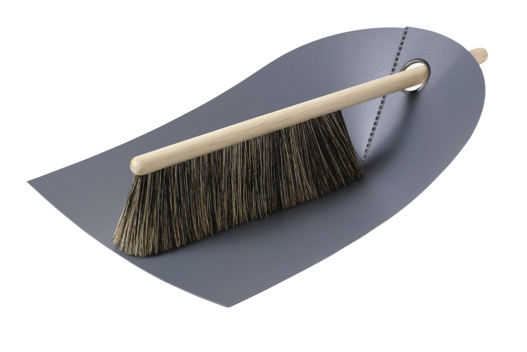 normann COPENHAGEN Lopatka se smetáčkem Dark grey, šedá barva