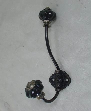 La Finesse Kovový věšák Black Flower, černá barva, kov, porcelán