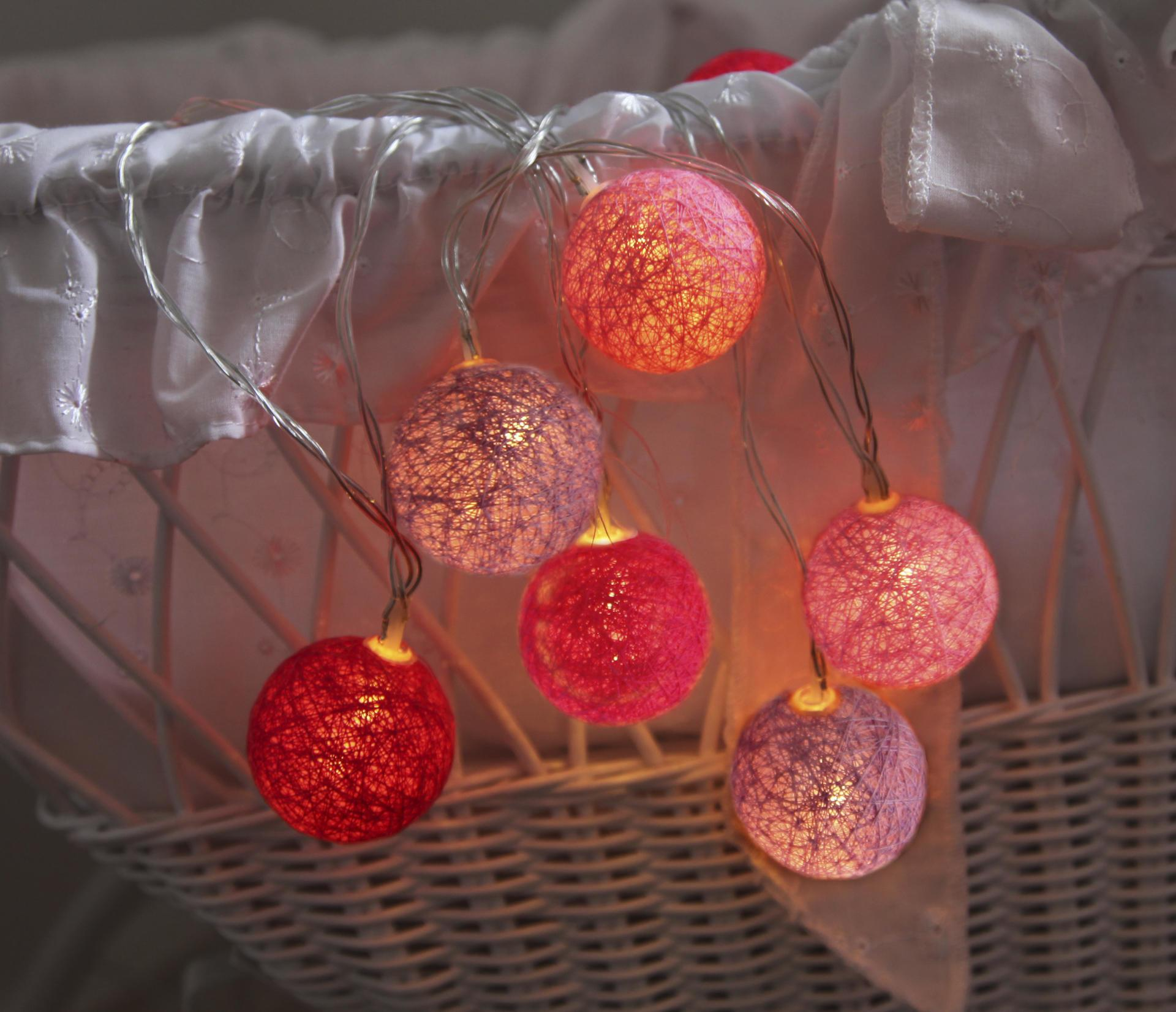 Star Trading Dekorativní svítící řetěz White Pink Lights